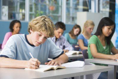 młodzież w klasie